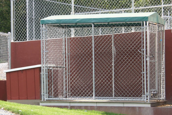 Galvanized wire dog kennels